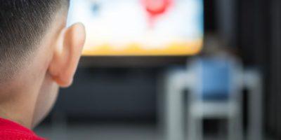 El consum de televisió va arribar a les 4,5 hores diàries durant l'abril
