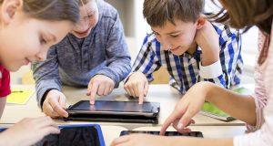 Nou programa d'alfabetització mediàtica per als centres educatius